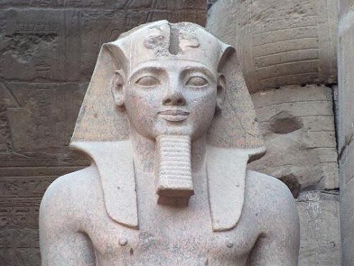 tuong- Pharaon-1